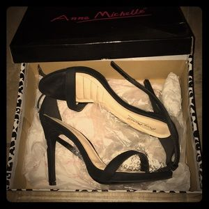 I am selling high heels.